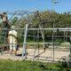 Med hjälp av tyska vänner (som semestrade hos oss) byggde vi ihop det gamla växthuset