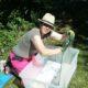 Ann tvättade över 100 gamla glasskivor...